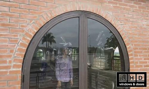 cửa đi nhôm xingfa uốn vòm