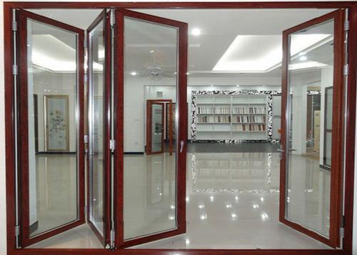 Cửa gấp xếp nhôm kính xingfa vân gỗ