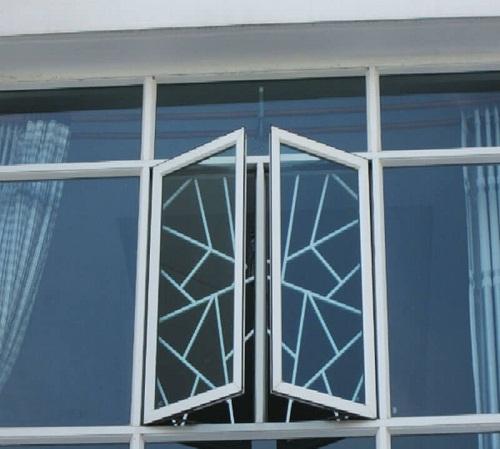 cửa nhôm có khung bảo vệ 5