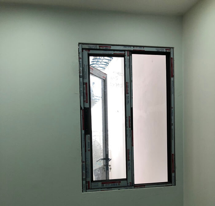 cửa sổ mở trượt lùa 2 cánh nhôm xingfa tại mipec kiến hưng
