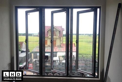 cửa sổ mở quay 3 cánh tại nghệ an