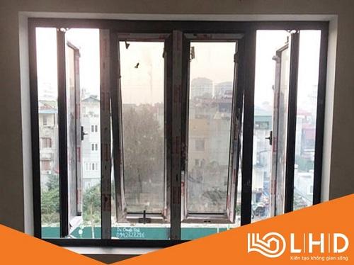 cửa sổ mở hất nhôm xingfa 123 7
