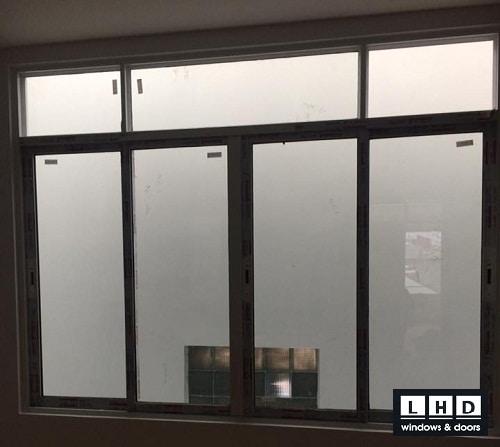 cửa sổ nhôm xingfa lạc long quân