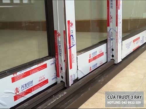 mẫu cửa trượt 3 ray Xingfa