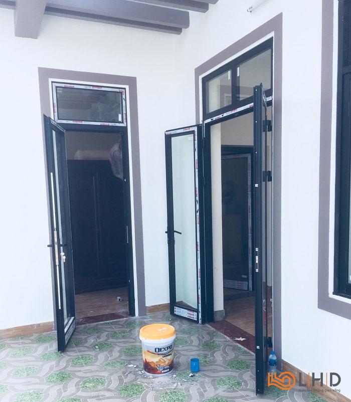 lắp đặt cửa nhôm xingfa màu đen việt yên bắc giang 4