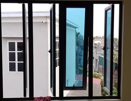 mẫu cửa sổ nhôm kenwin nâu kim sa