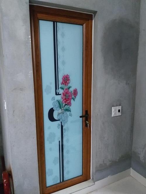 mẫu cửa nhôm koia kính hoa văn họa tiết 1