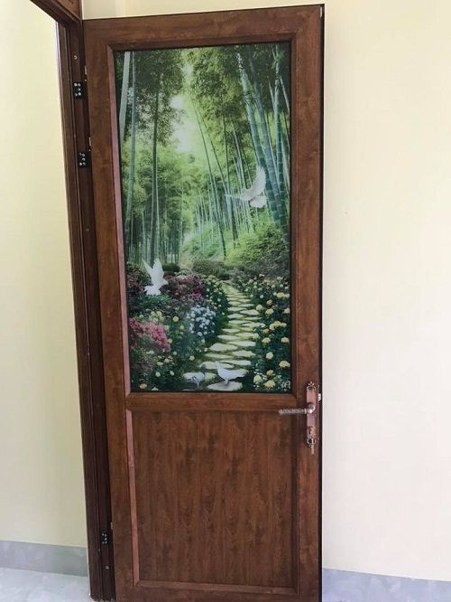 mẫu cửa nhôm koia kính hoa văn họa tiết 2