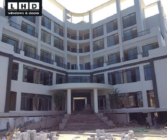 công trình xingfa tại khách sạn dragon sea