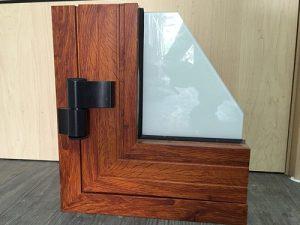 cửa nhôm vân gỗ