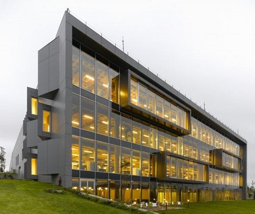vách nhôm kính mặt dựng viện khoa học công nghệ stanbul